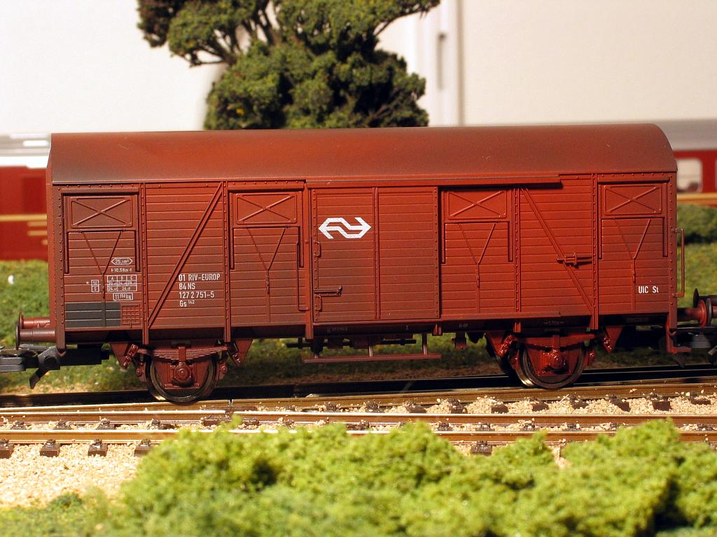 Dutch boxcar (Gs142)   2003-09-08